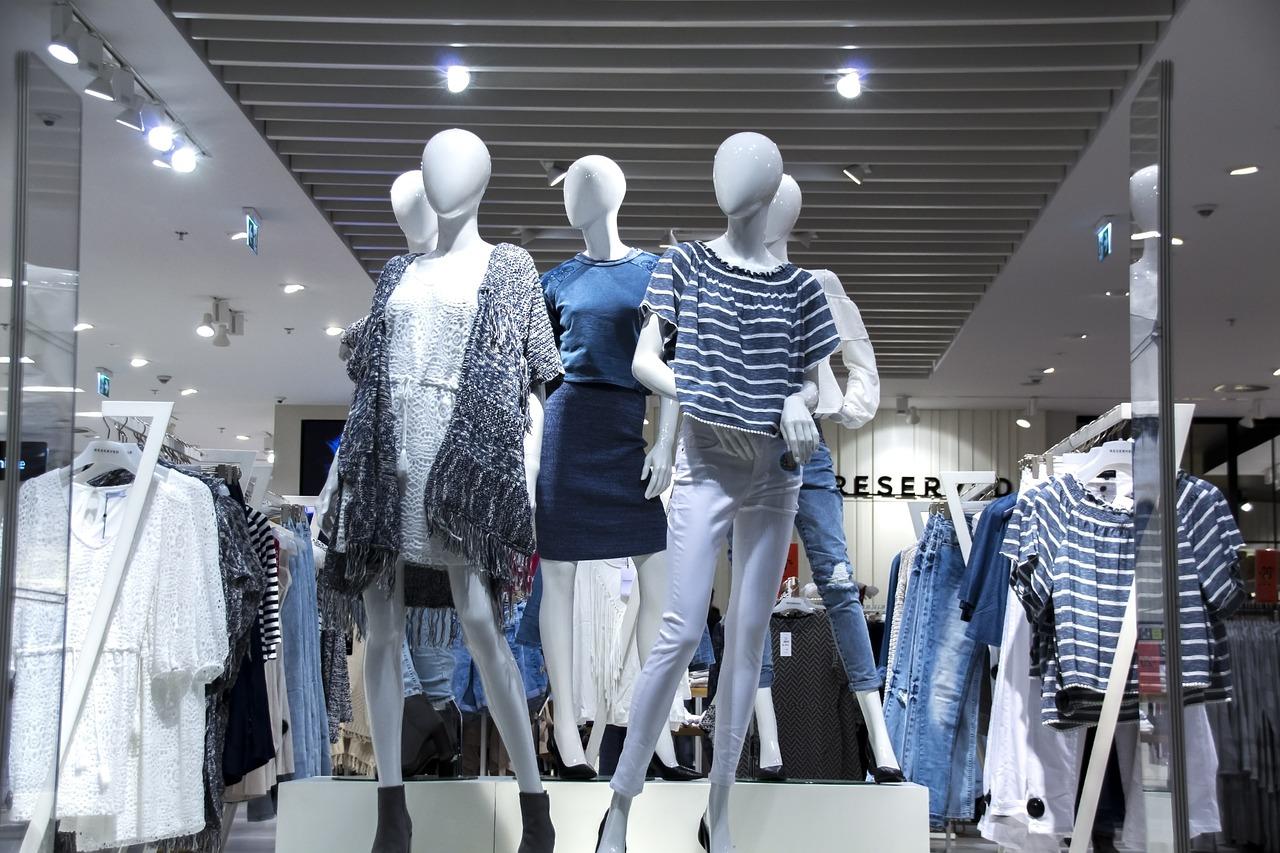 22d92cded Os manequins desenvolvem um papel importante no varejo da moda. Entender  suas possibilidades de exposição e venda